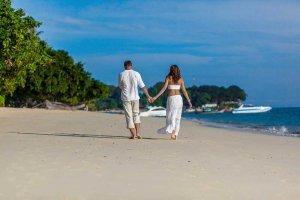 Target-car-rental-honeymoon-costa-rica